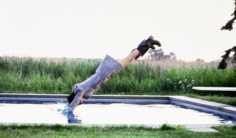 Arthur Elgort_Stella Diving_Watermill, New York_Vogue 1995