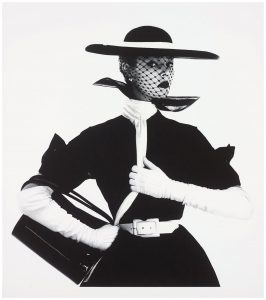 Irving_Penn_Jean_Patchett_Handbag