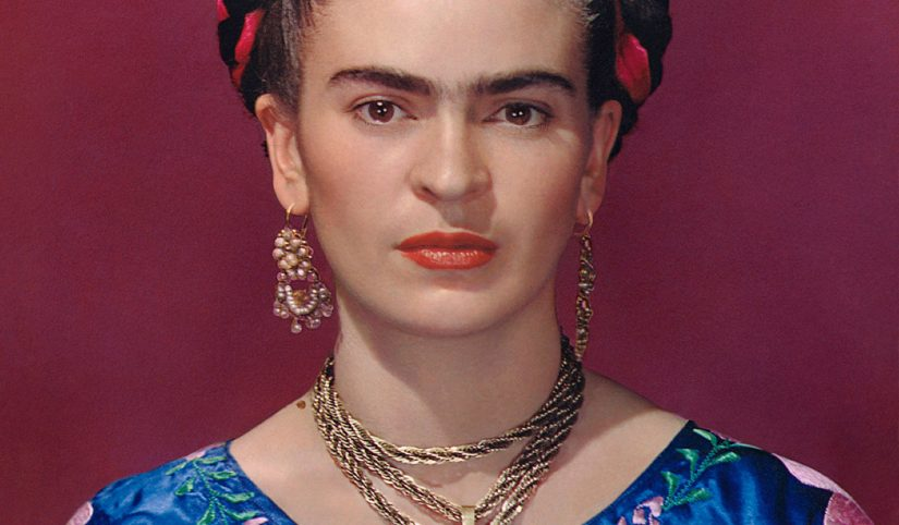 Muray Frida in blue blouse