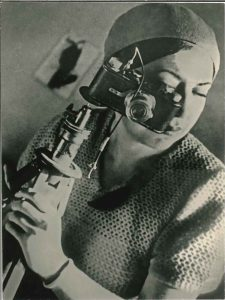 Rodchenko - Evgenia Lemberg with photo camera, 1934