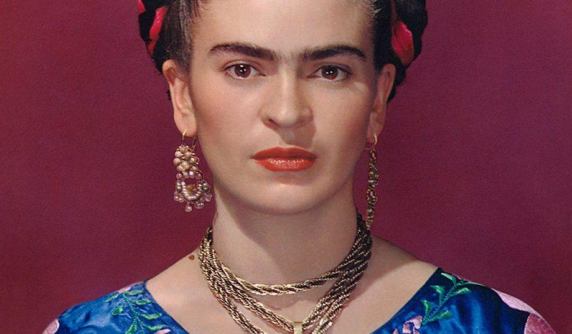 Muray Frida in blue blouse