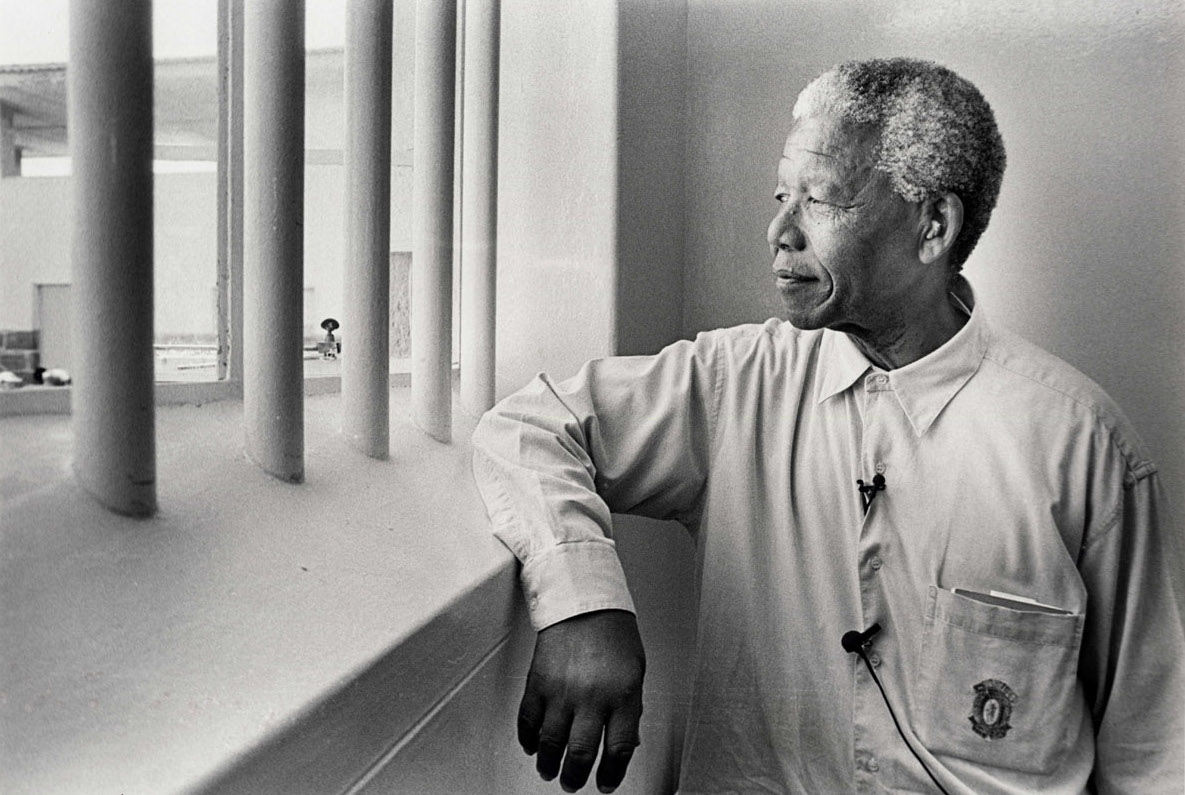 Schadeberg Mandela in his cell (revisit) 1994